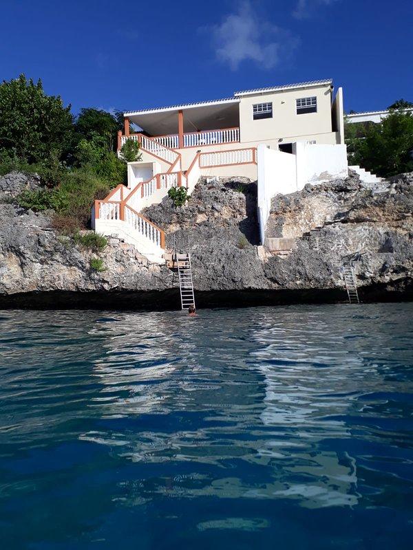 Villa mit direktem Zugang zum Meer