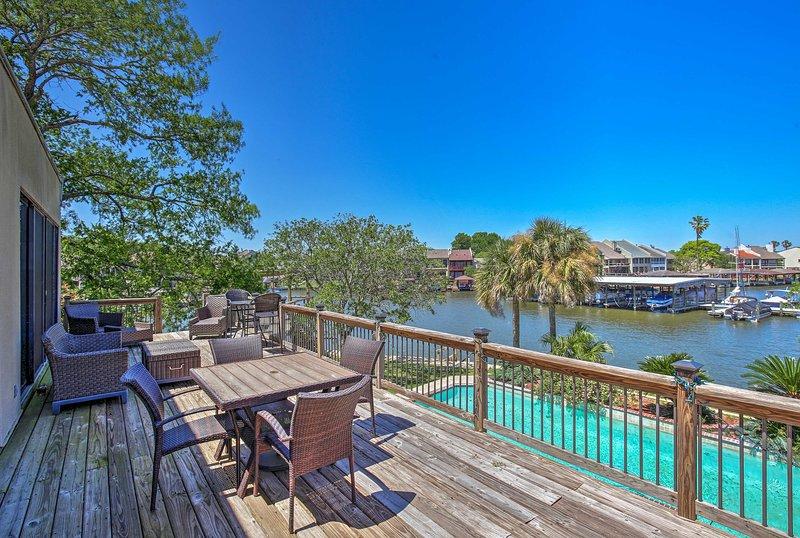 Lakefront Montgomery Home w/ Resort Amenities, holiday rental in Pinehurst
