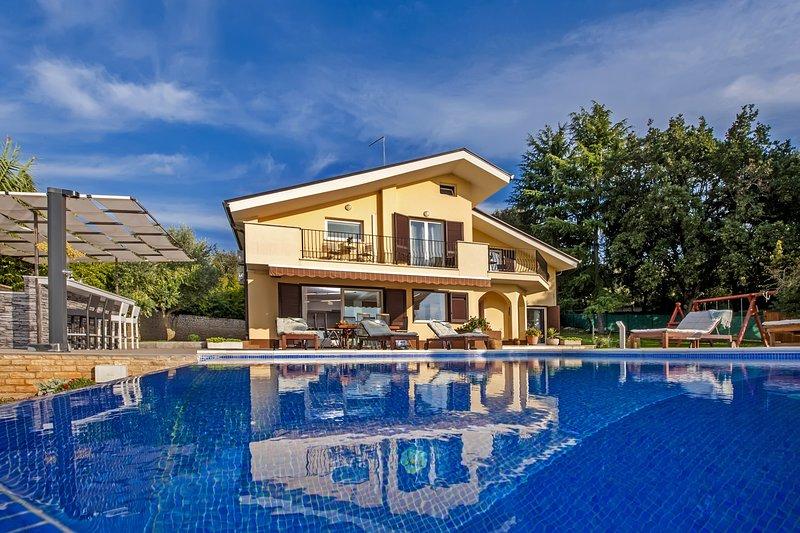 VILLA MONTERICCO, holiday rental in Klostar