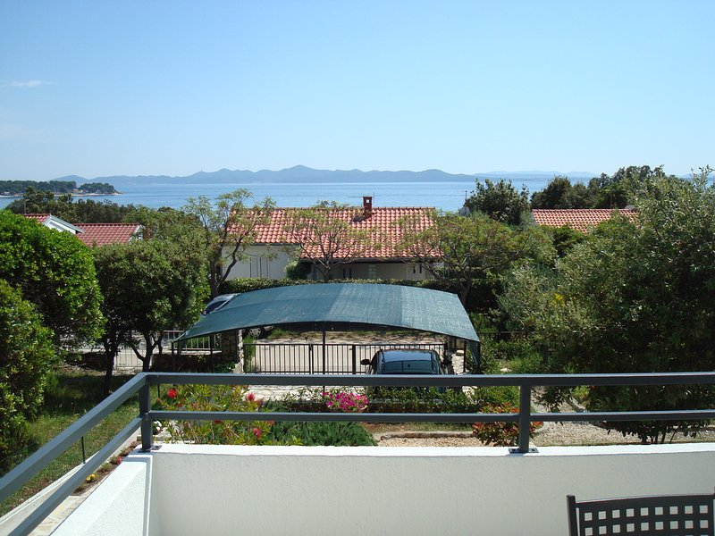 Diva Punta Skala, 2 bedrooms, holiday rental in Petrcane