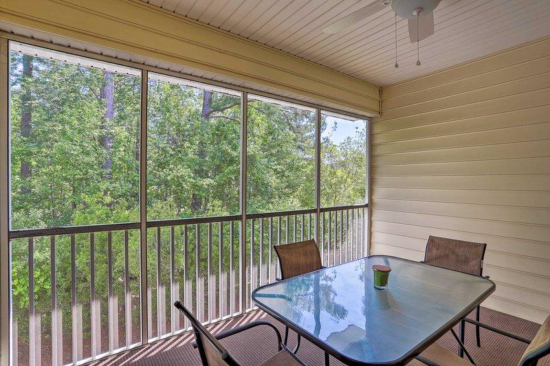 Questo condominio per le vacanze vanta una veranda riparata.