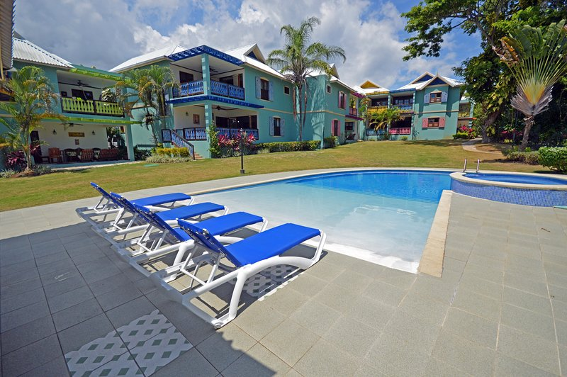 Villa Fernando  Chillin Old Fort Bay, holiday rental in Mammee Bay