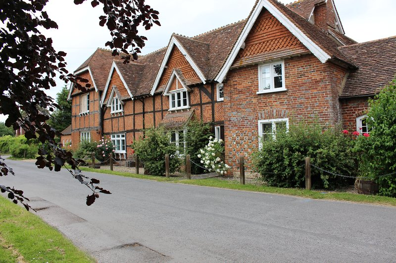Rutherford Apartment-Grade 2 Listed-Spacious Two Bedroom, vakantiewoning in Thatcham