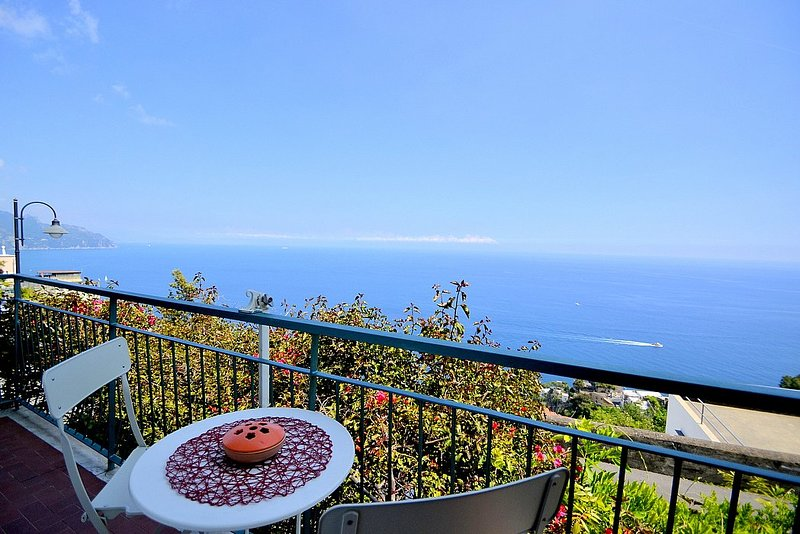 Tovere (San Pietro) Apartment Sleeps 5 with Air Con - 5803055, vacation rental in Vettica