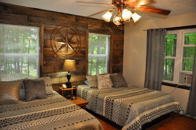 Beautiful Cottage on Autumn Lake #5, Great fishing, vacation rental in West Monroe