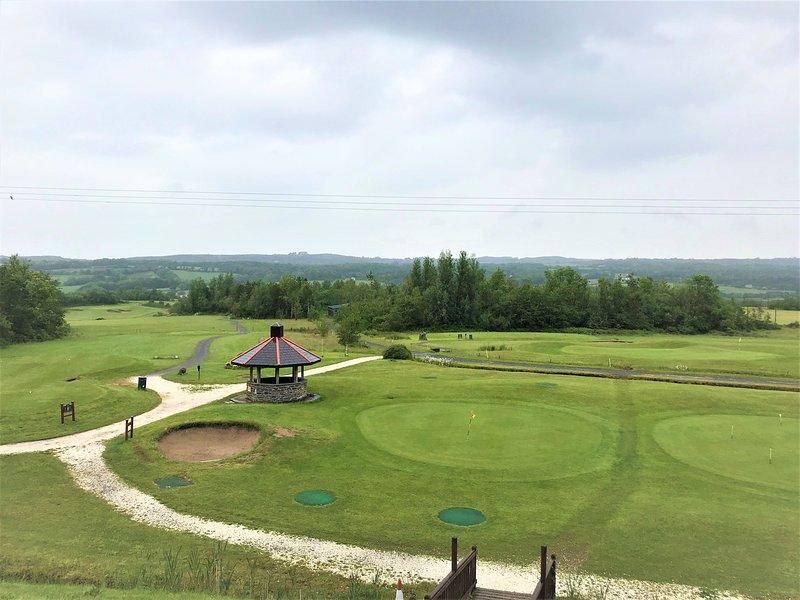 Profitez de la vue sur le parcours de golf