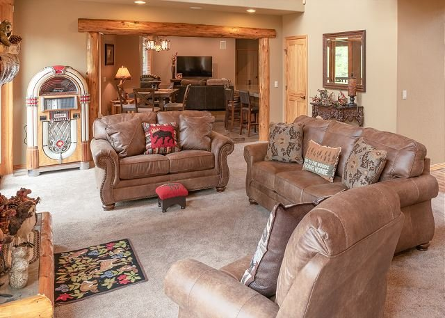 New Listing! Beautiful executive rental in Awbrey Butte!, holiday rental in Tumalo