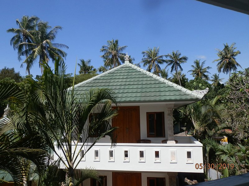Garden Bungalow, holiday rental in Les