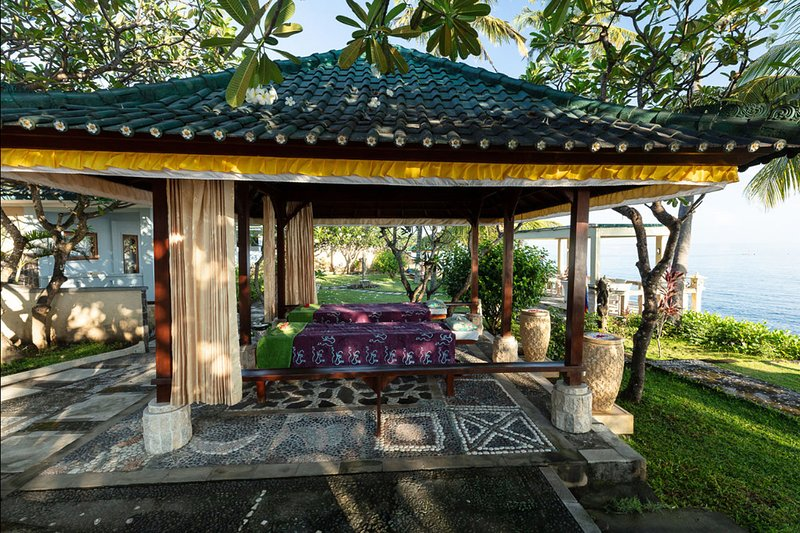 Outdoor massage gazebo with ocean view