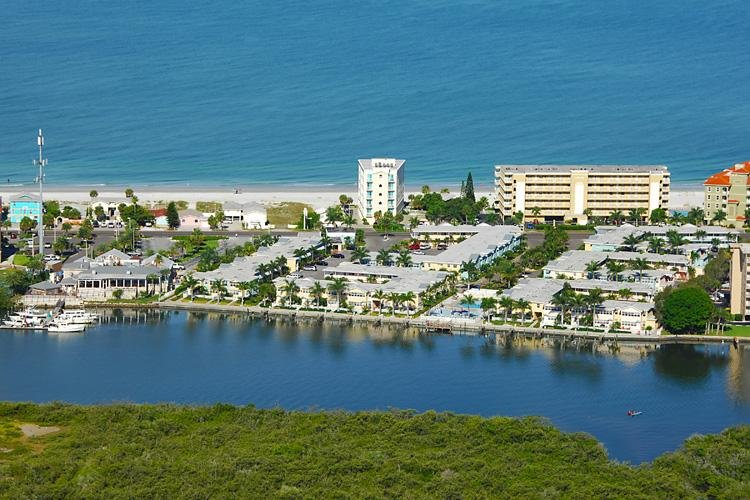 Waterfront location, just 1 block from the beach