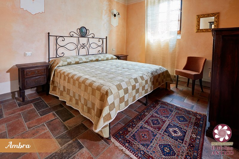 Ambra, appartamento in country house, holiday rental in Castel Ritaldi