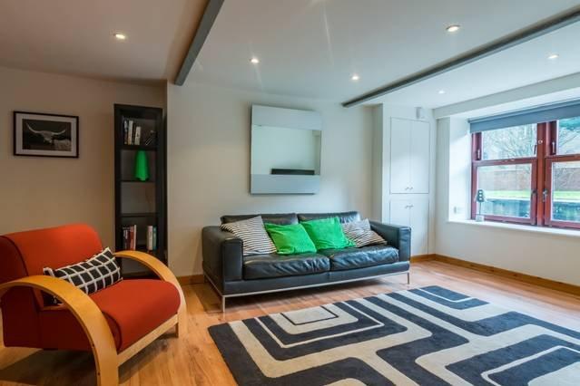 Ideal location, cosy 1 bedroom flat, location de vacances à Glasgow