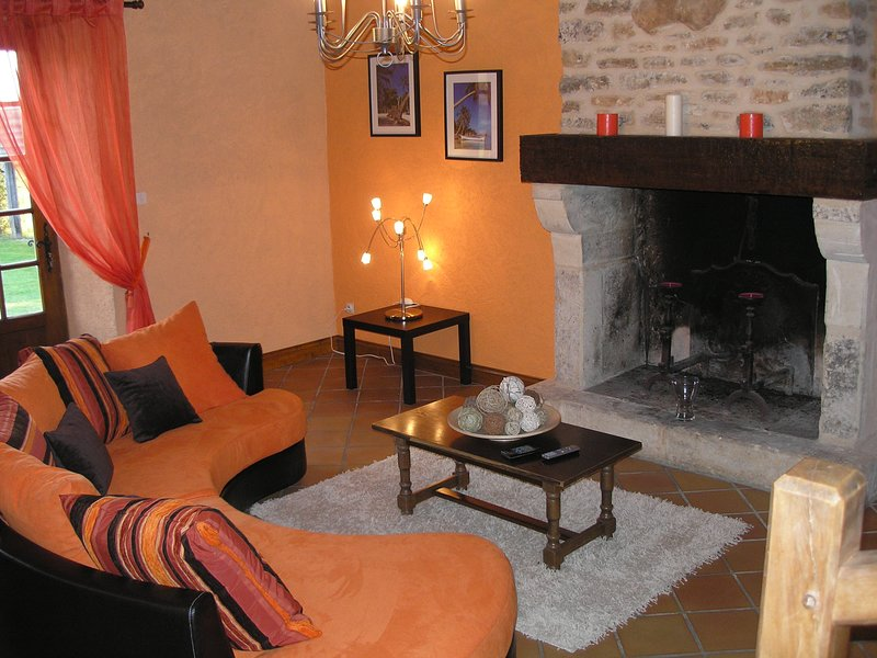 Amazing house with terrace & Wifi, location de vacances à Cendrieux
