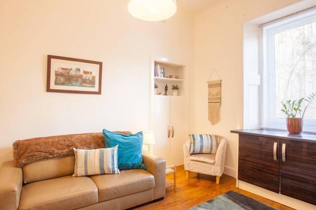 Tastefully decorated West End tenement apartment, location de vacances à Glasgow