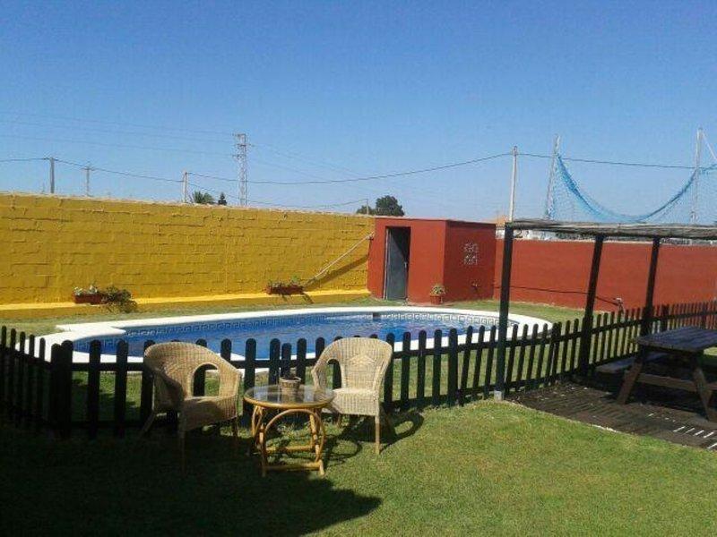 Villa with pool El Sotillo Chiclana de la Frontera, alquiler de vacaciones en Novo Sancti Petri