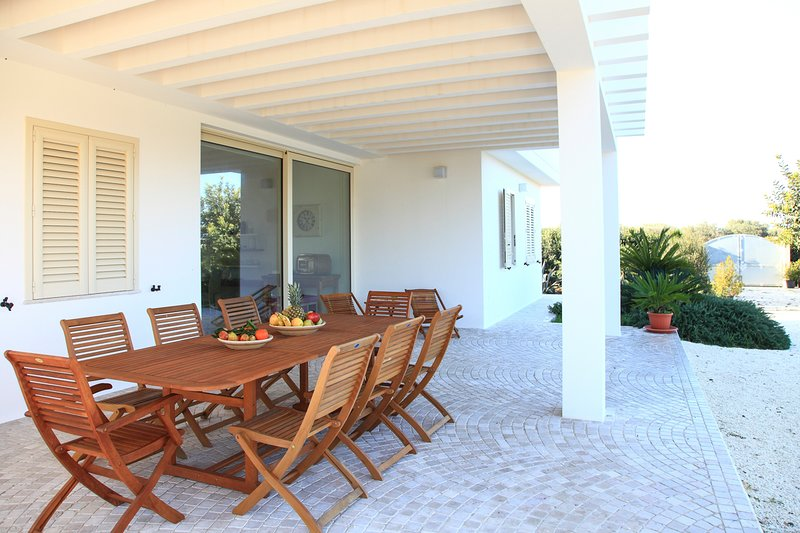 Melissano Villa Sleeps 12 with Pool and Air Con - 5802684, vacation rental in Melissano