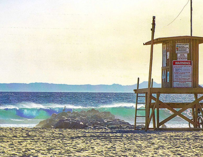 Prime Newport Location Steps to Sand, vacation rental in Newport Beach