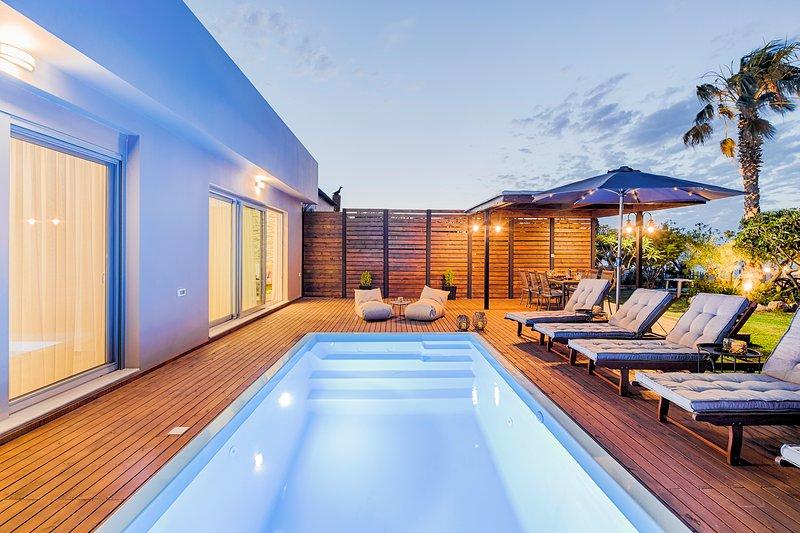 Nastazia Luxury Beach House, holiday rental in Ialyssos