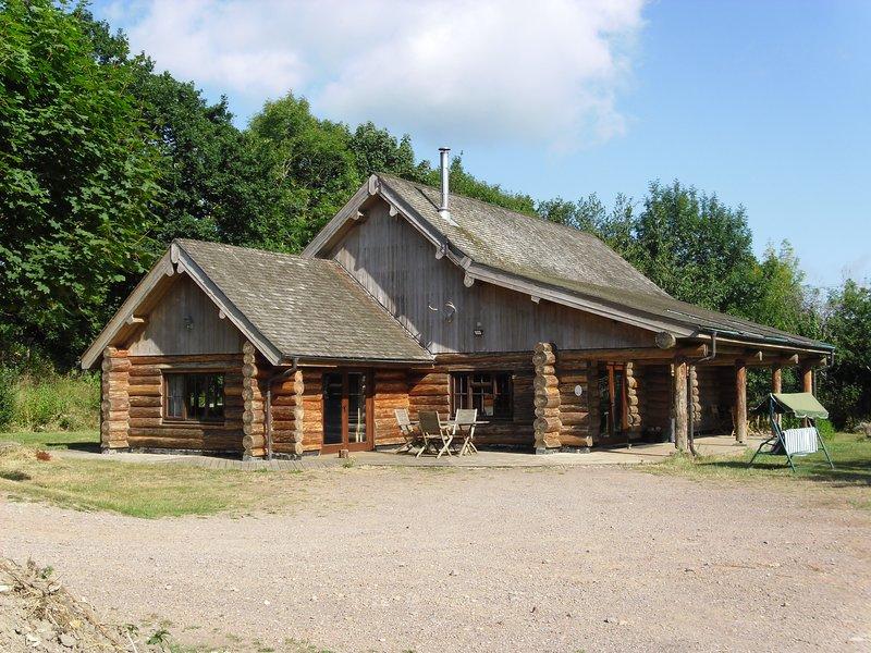 Tamarack lodge log cabin, location de vacances à Hatch Beauchamp