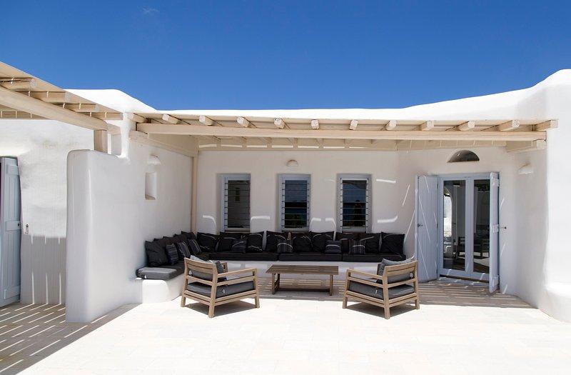 5-Bedroom Sea View Connecting Villa with Private Pool | The SAND Collection, aluguéis de temporada em Santa Maria