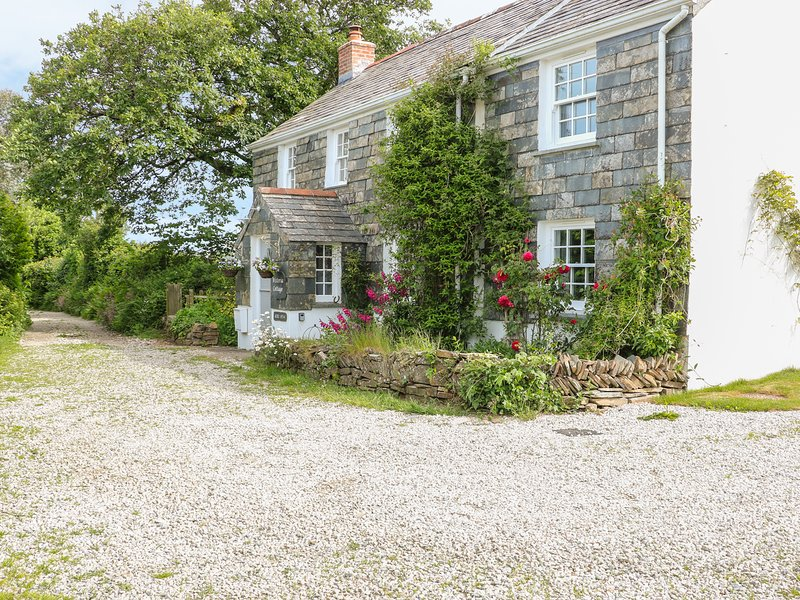 WISTERIA COTTAGE, WiFi, pet-friendly, in St Teath, vacation rental in Bodmin