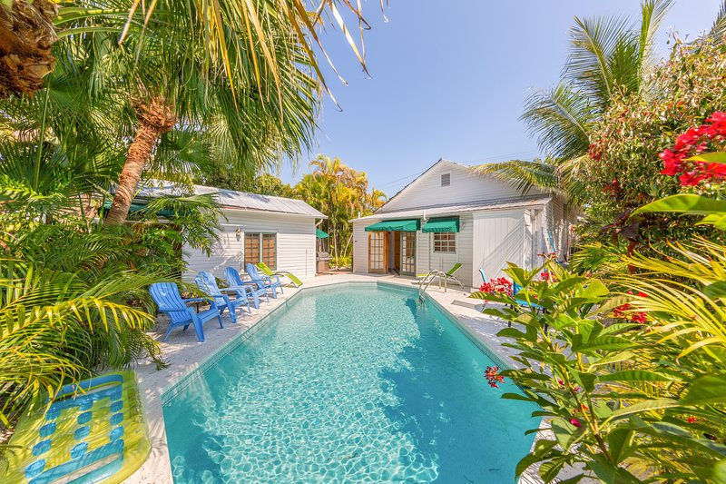 Tropical family-friendly home w/private pool, 1/2 block from Duval St. - dogs ok, vacation rental in Stock Island