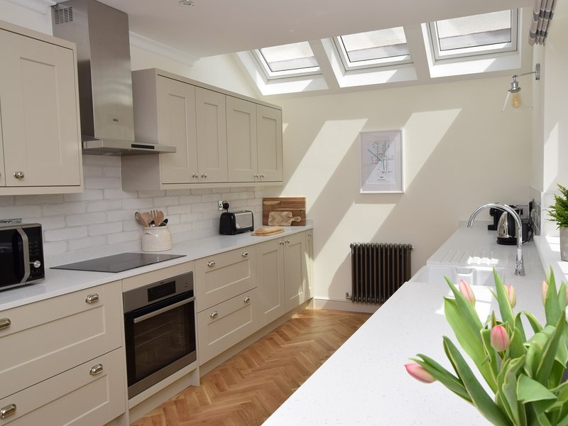 The bright,well-equipped kitchen