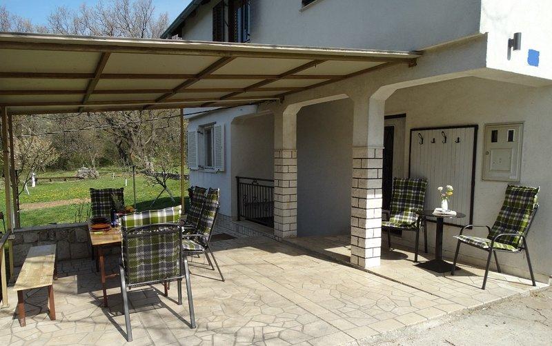 Dar H(4+2) - Grizane, holiday rental in Kamenjak