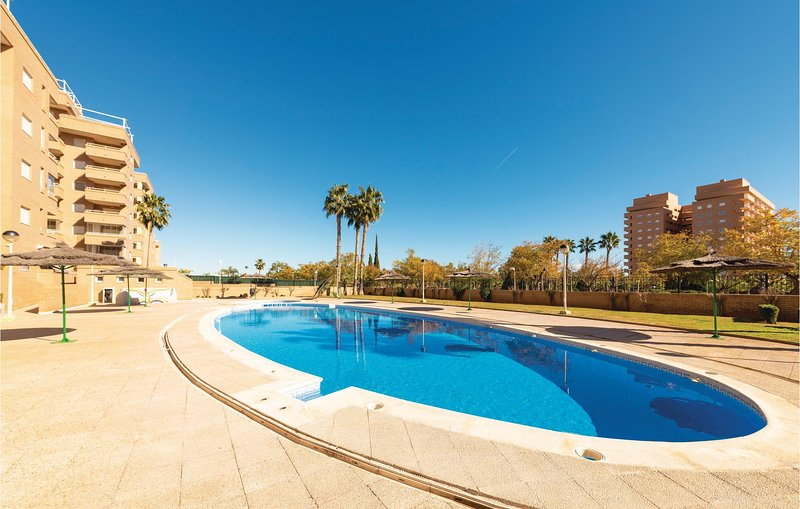 Awesome home in Oropesa del Mar with Outdoor swimming pool, WiFi and Outdoor swi, alquiler de vacaciones en Cabanes