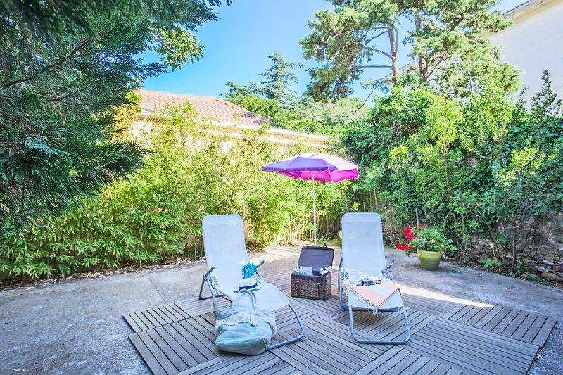 Casa Estel - Pink, apartment in downtown of Erbalunga, holiday rental in Marine de Pietracorbara