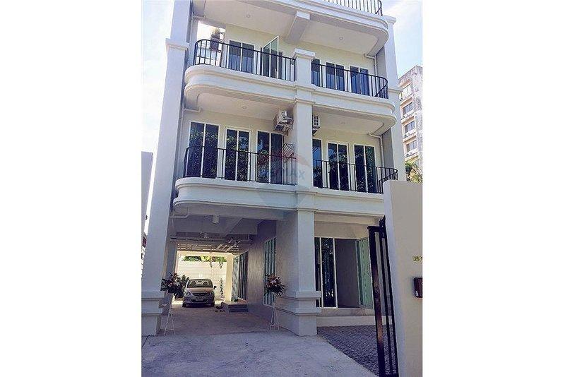 Teak Villa, holiday rental in Bang Bo