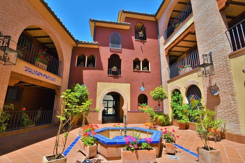 La Leyenda Toledo. Apartamento Boutique. Confort inspirado en el Toledo clásico, location de vacances à Arges