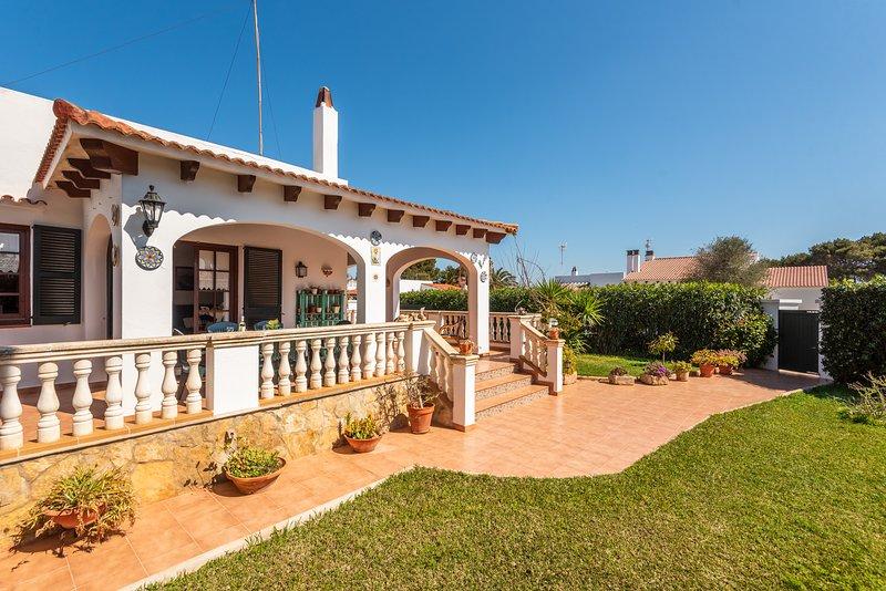 Villa BON SOL, alquiler vacacional en Cala'n Bosch