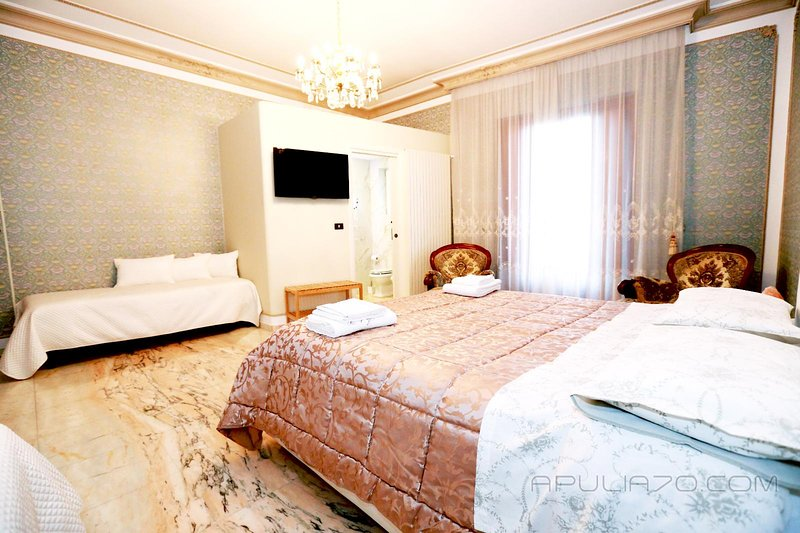 DELUXE SUITE * Apulia 70 Holidays, Ferienwohnung in Polignano a Mare