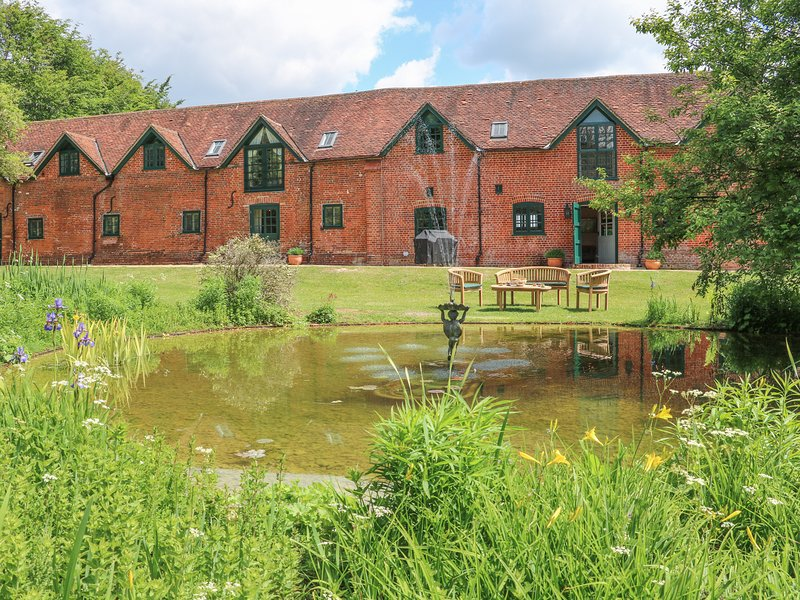 Buckholt Stables, near West Tytherley, holiday rental in Andover