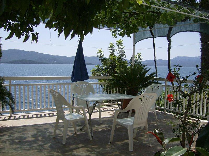 Apartments Vesna, vacation rental in Komarna
