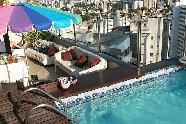 Duplex Penthouse w/ Private Pool for Couples or Executives in Salvador - SSA001, location de vacances à Salvador