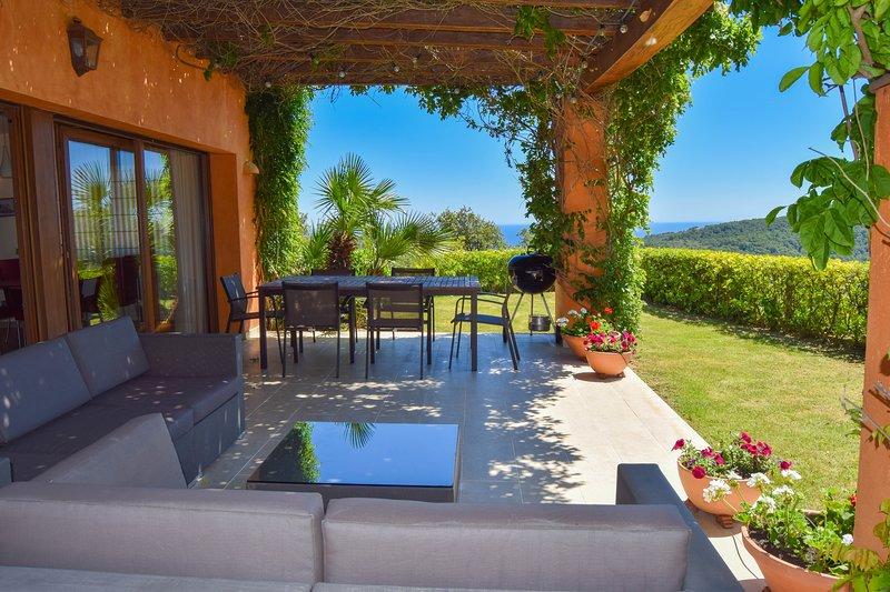 individuelle Villa mit Infinity-Pool und Meer- und Bergblick-SA PUNTA COSTA BRAVA