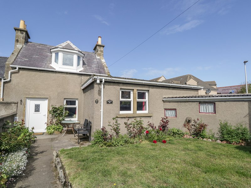FISHERMAN'S REST, seaside location, cosy cottage, WiFi, enclosed garden with, vakantiewoning in Findhorn