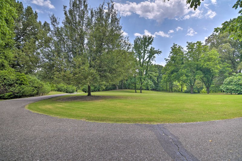 Your Southaven oasis awaits at this peaceful 4-bedroom vacation rental home.