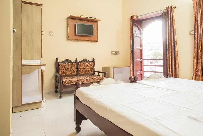 Jee Ri Haveli Deluxe Double or Twin Room Unit 4, aluguéis de temporada em Jodhpur