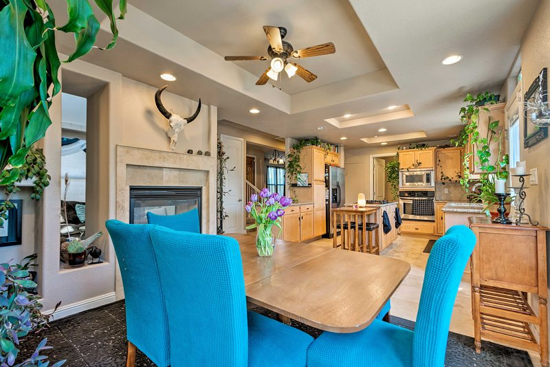 Gather around the dining table to discuss where the day will take your group.