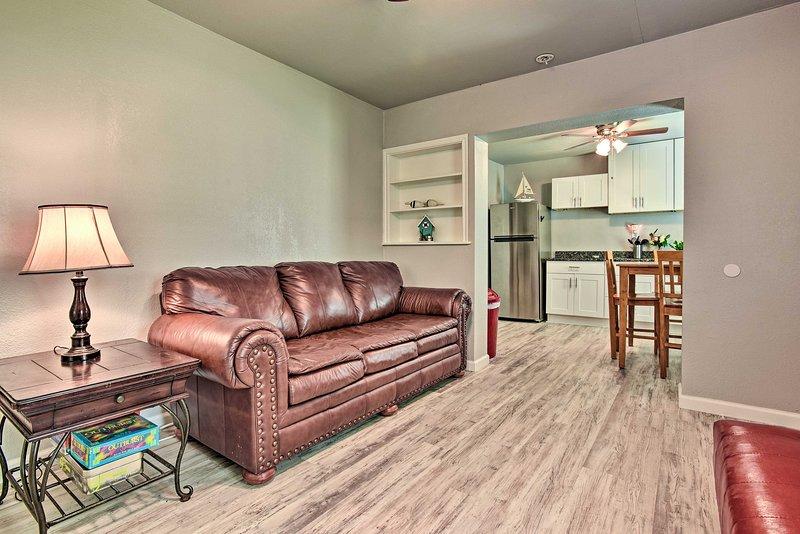 Trouvez cette maison de Corpus Christi entièrement rénovée et prête à être utilisée par votre groupe!