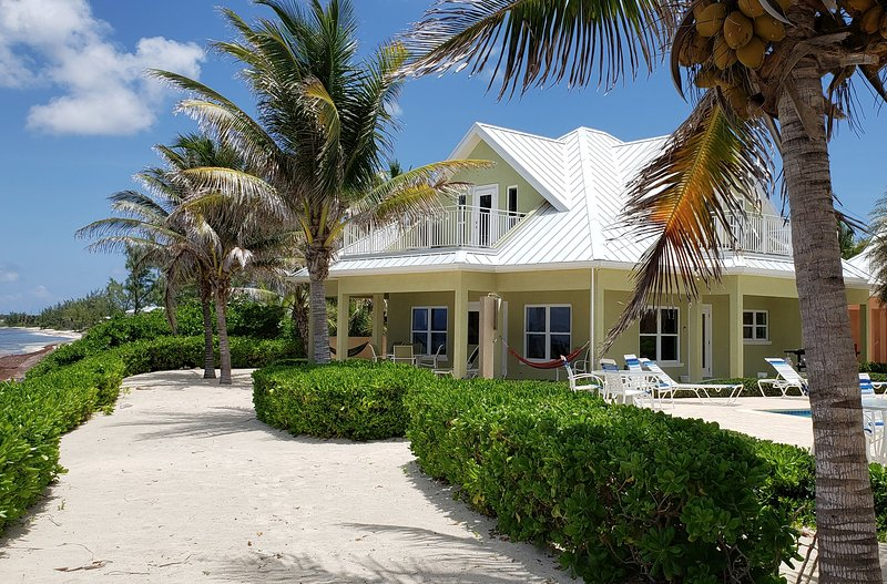 Luxury Home near Rum Point w/ Beachfront Pool, Spectacular Views, # 4 Green, holiday rental in North Side