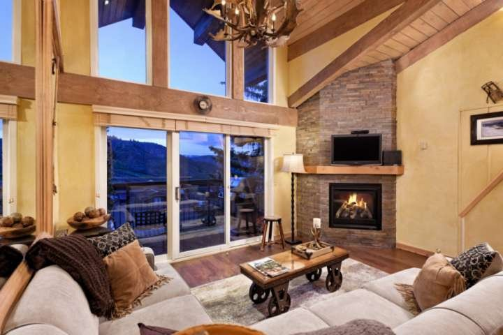 Snowmass Mtn Crestwood Ski-In/Out. Long Term Stay discounts! Pool/Hot Tub, Lots, location de vacances à Snowmass Village