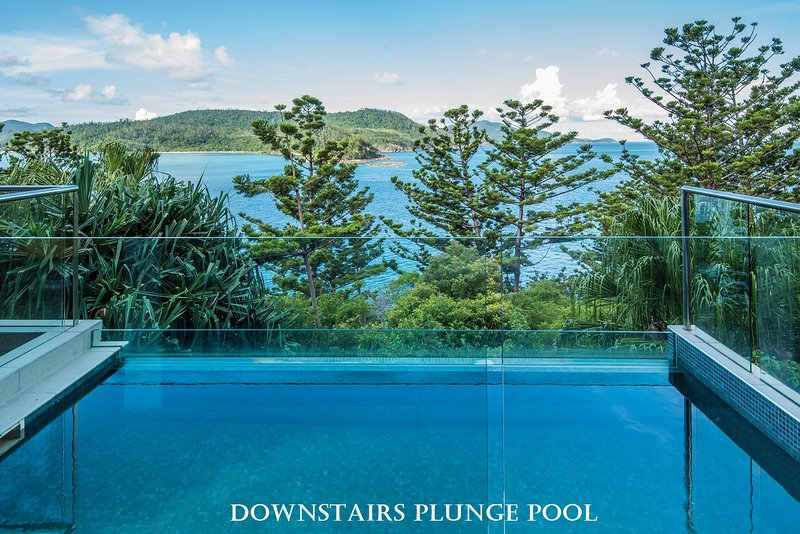 NEW Northcape 1 Ocean Front 2 Bedroom Choose Between 2 Properties, vacation rental in Hamilton Island