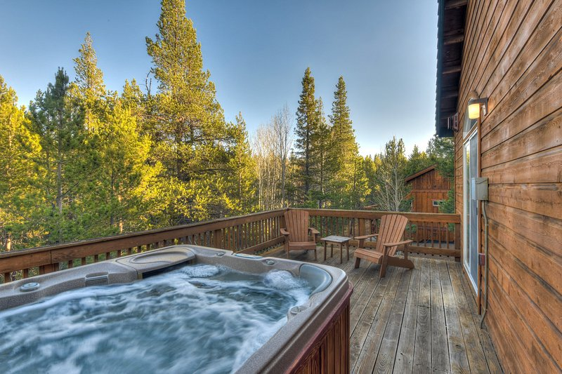 Private hot tub on balcony