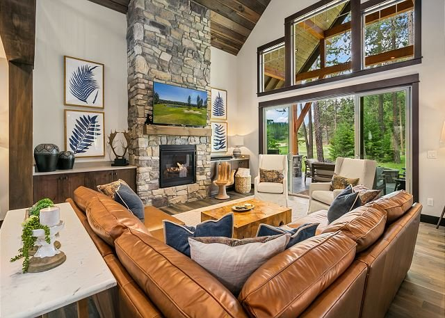 Must See New Suncadia Estate! Home Office | On the Golf Course w/Hot Tub!, alquiler vacacional en South Cle Elum
