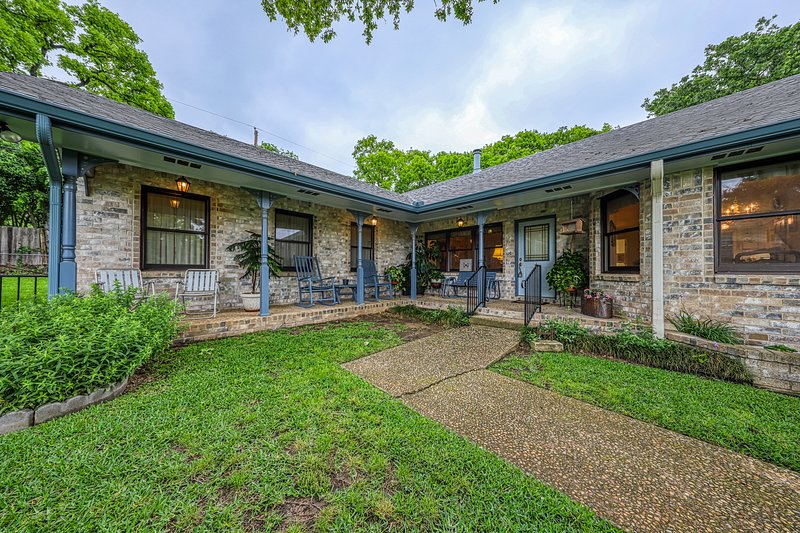 Storied home close to Main Street w/ covered porch and Texas charm!, vacation rental in Fredericksburg