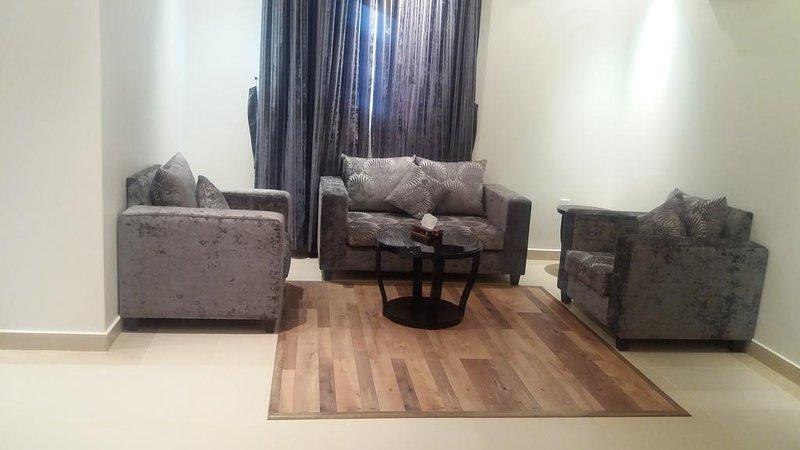 Studio Apartment at Al Barkah Street, alquiler de vacaciones en Riyadh Province
